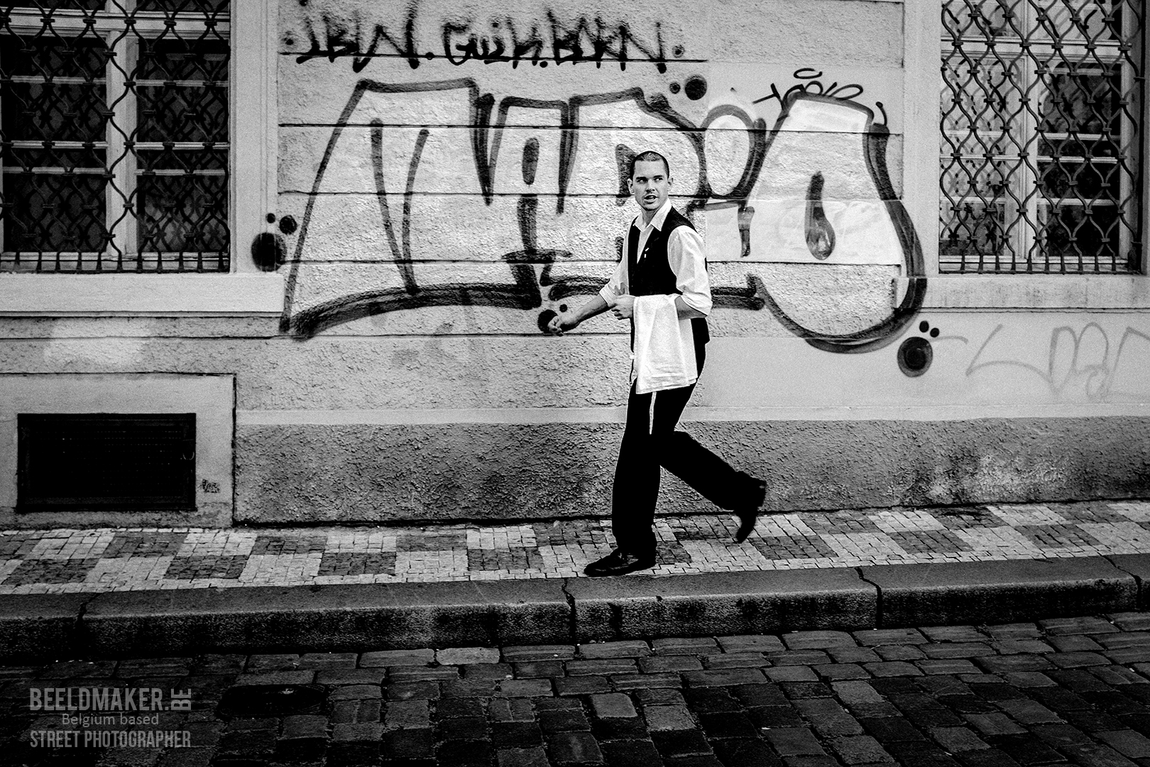 Prague -Mario the waiter - © stefan migalski